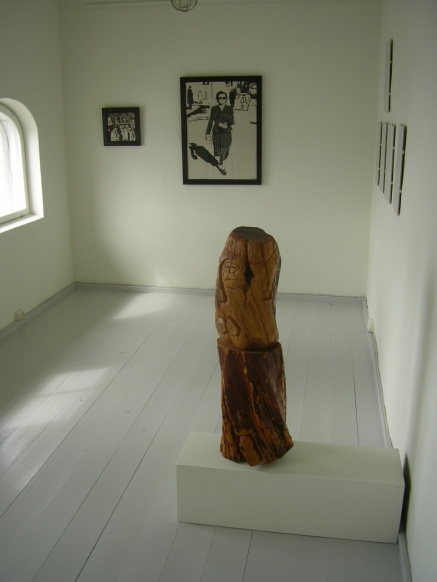 Skulptur, Dimitris Raftelis. Keramiske bilder, Idun Storrud.