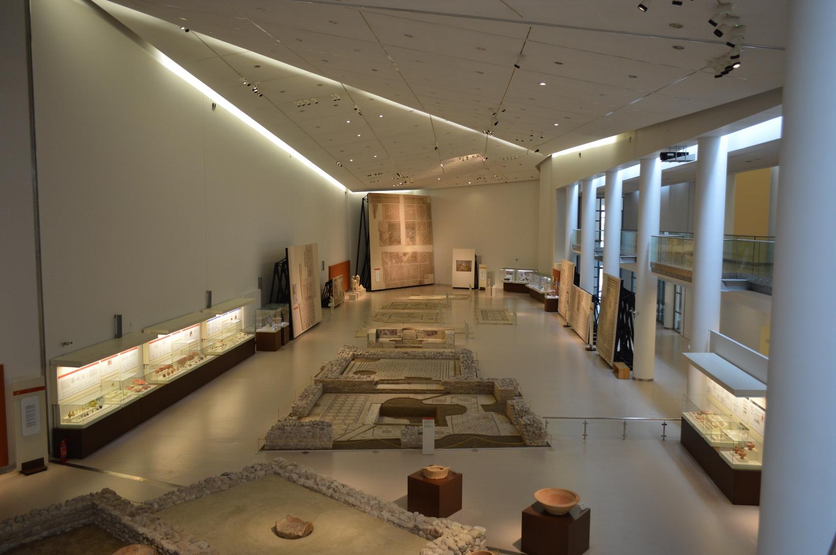 rekonstruerede-mosaikker-set-fra-oven